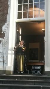Baronesse Verena op ten Noort mijmert bij den Nacht...